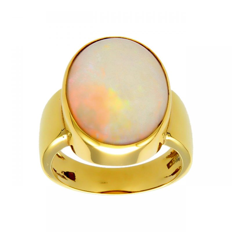 Yellow gold ring with opal