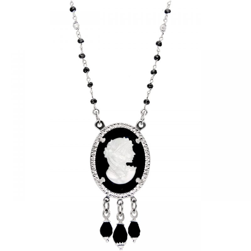 Necklace cameo with pendant white gold