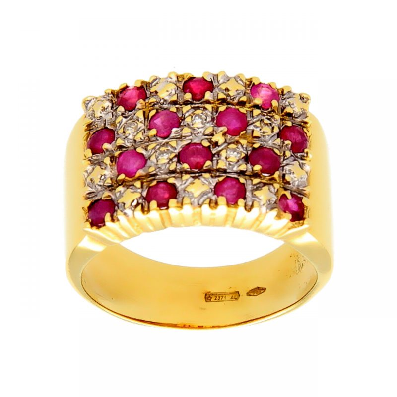 Yellow gold ring with diamonds and rubies