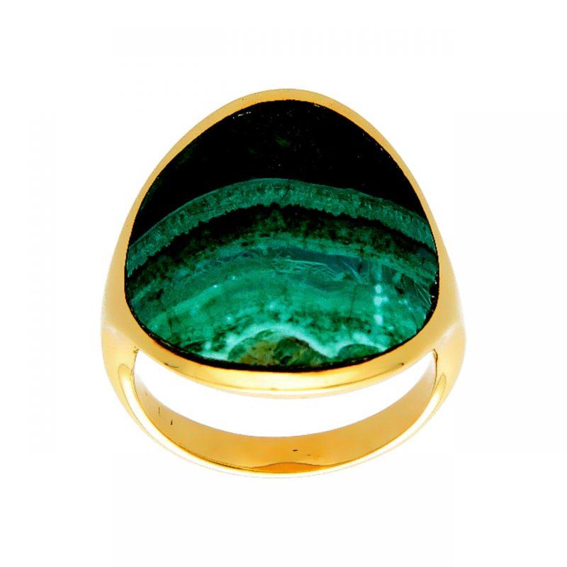 Gelbgold Ring mit einem grünen Stein