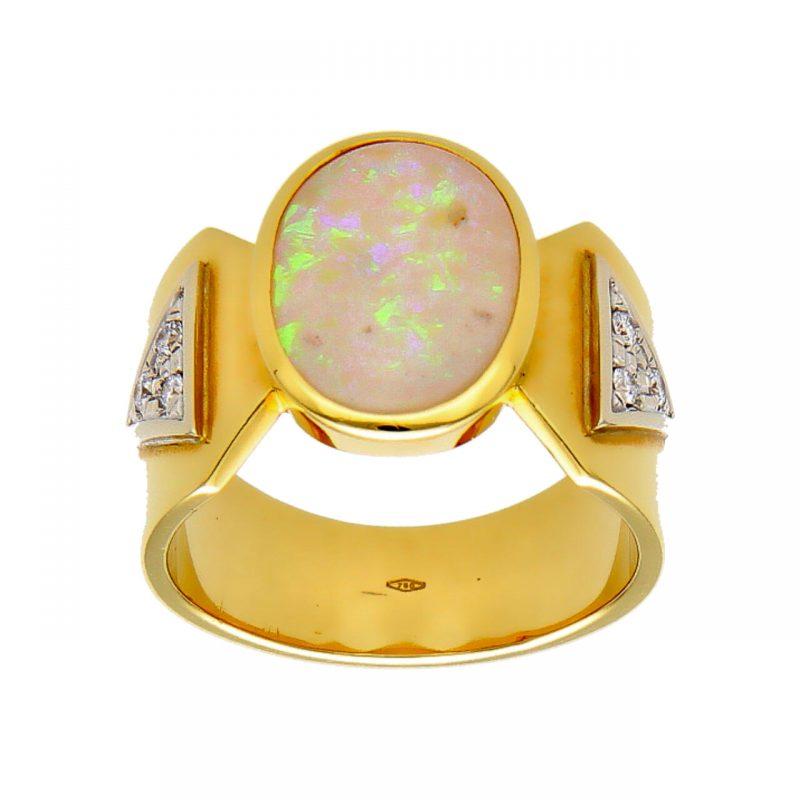 Anello oro giallo con opale e diamanti