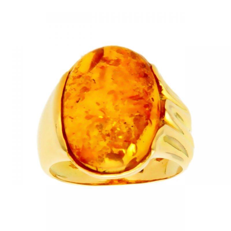 Yellow gold ring with amber