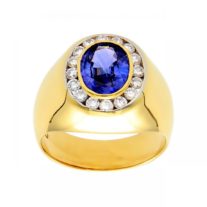 Yellow gold ring with sapphire and diamonds