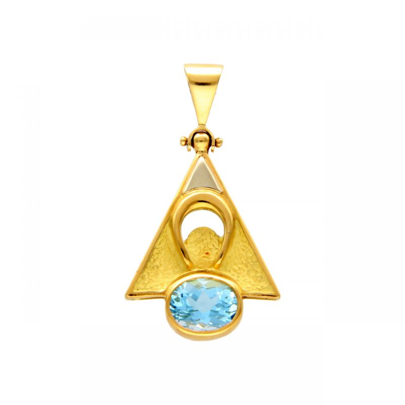 Pendant yellow gold with blue topaz