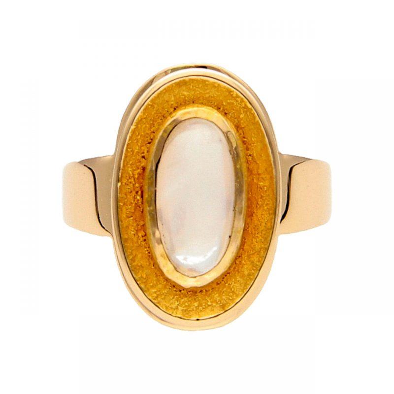 Gelbgold Ring mit Mondstein