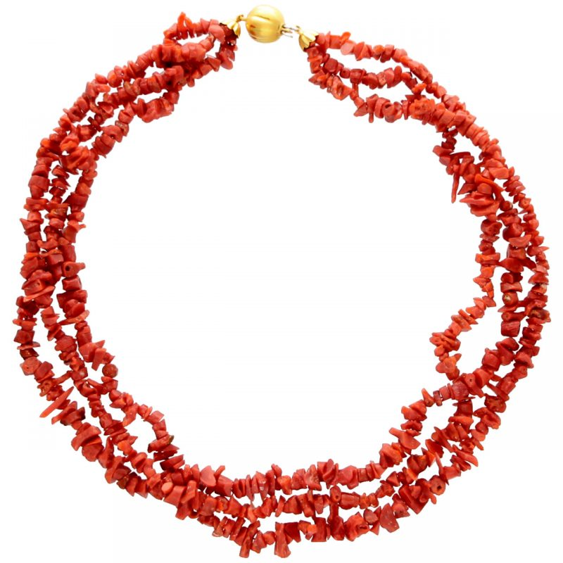 Red coral necklace with clasp yellow gold