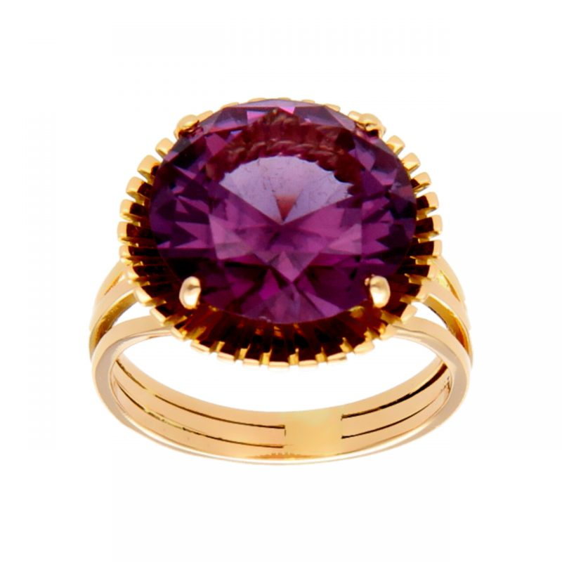 Yellow gold ring with amethyst