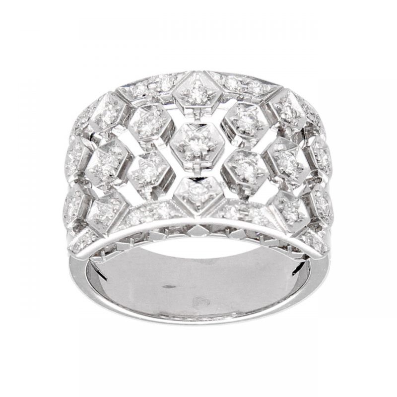 White gold ring with 0.62 ct diamond