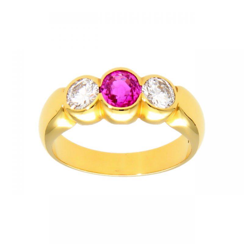 Gelbgold Ring mit Rubin und Diamanten 0,70ct